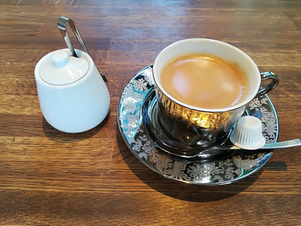 トレトゥールメゾンアッシュ ホットコーヒー