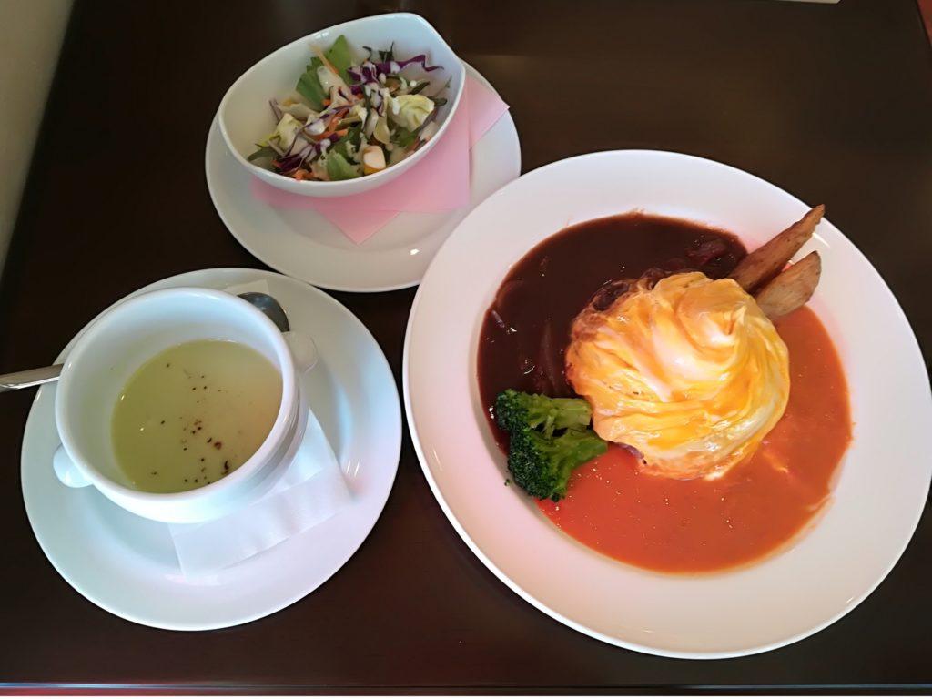 太子堂 ヴィンテージカフェ オムライスランチ