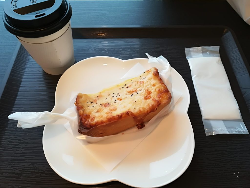 富沢 レピコロレ クロックムッシュとホットコーヒー