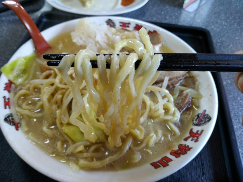 ラーメン天狗山 麺