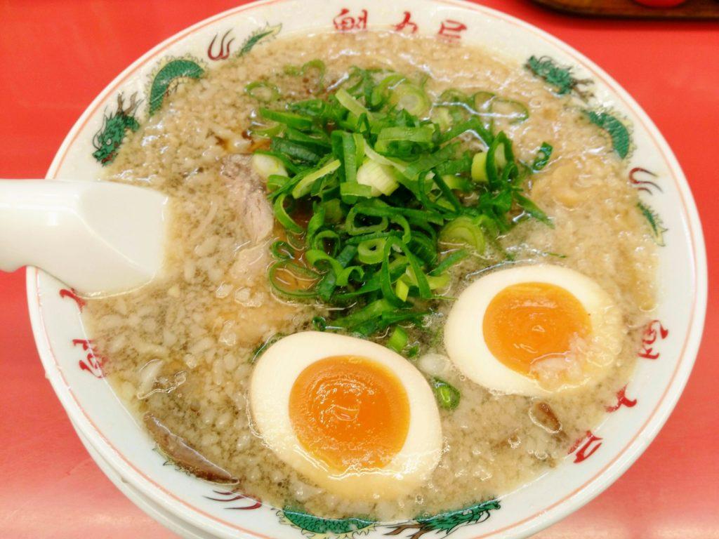 魁力屋仙台南店の特性醤油味玉ラーメン