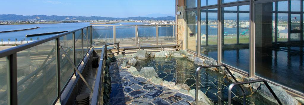鳥の海温泉の露天風呂