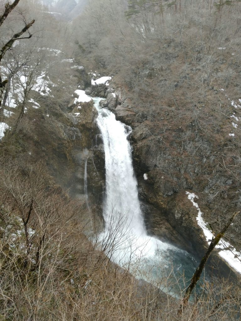 冬の秋保大滝 展望台から