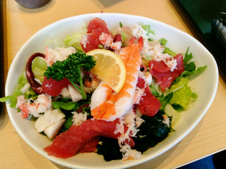 浜や あすと長町店 海鮮サラダ