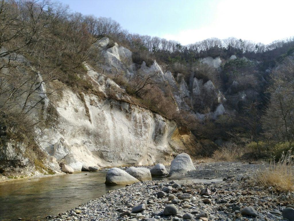 秋保 白岩 名取川沿い