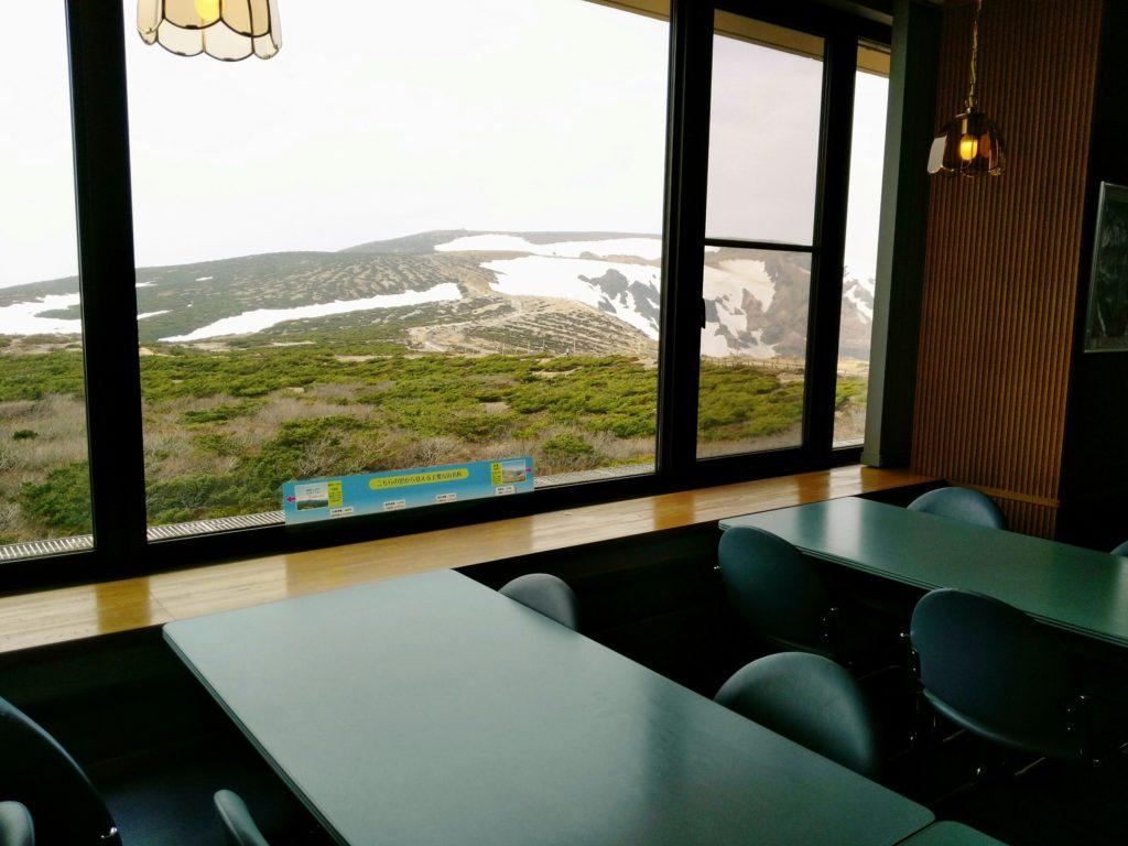 蔵王山頂レストハウス 店内からの景観