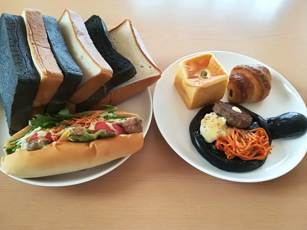 モナモナ富沢店のパン
