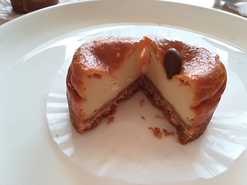 コーヒーの素敵な香りが広がるチーズケーキ
