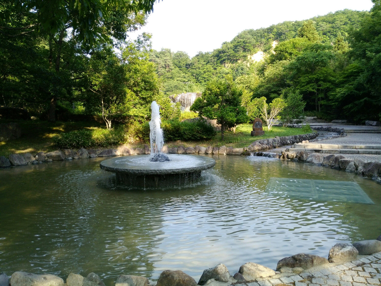 材木岩公園の水遊びができる噴水池