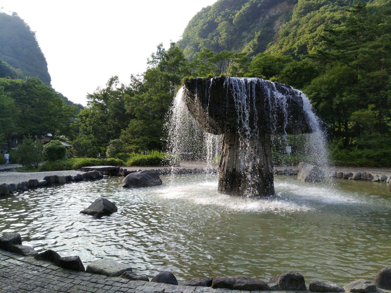 材木岩公園で水遊び