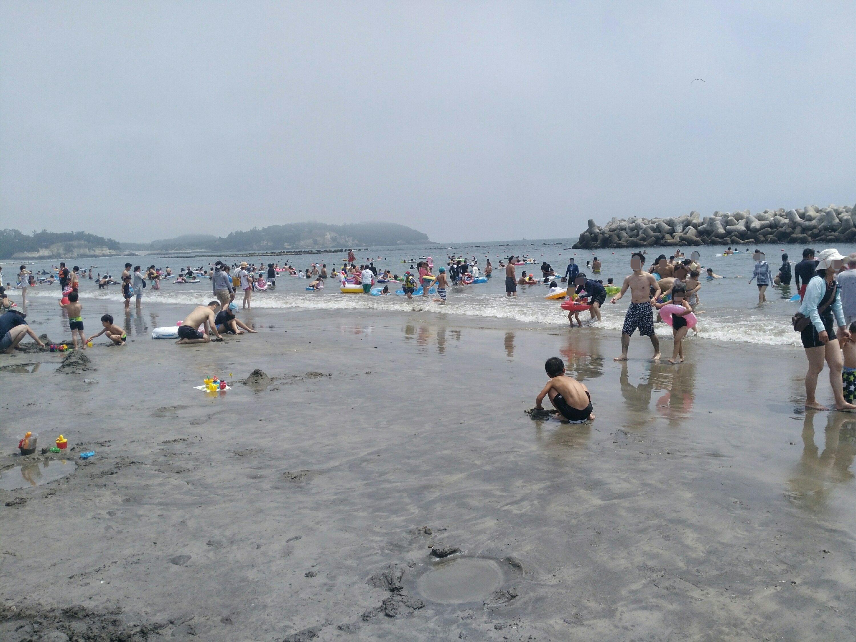菖蒲田浜海水浴場の波打ち際