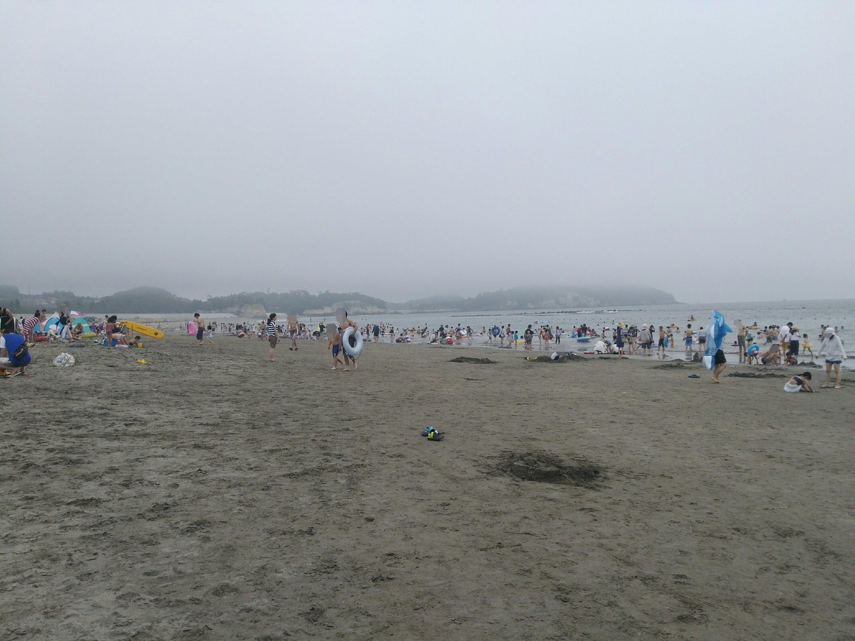 午後から曇ってきた菖蒲田海水浴場