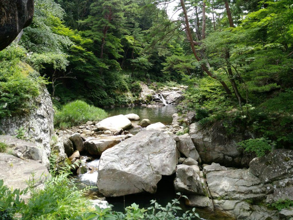 内川の渓谷