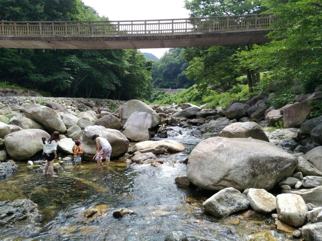 つり橋付近の内川