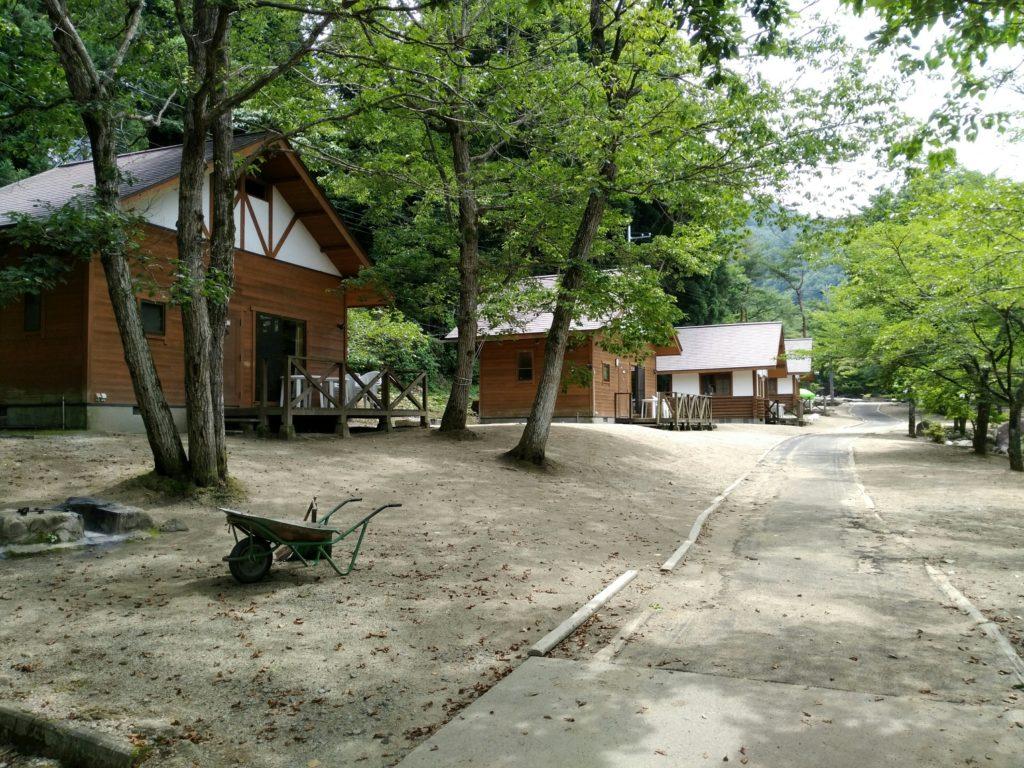 不動尊キャンプ場のコテージ