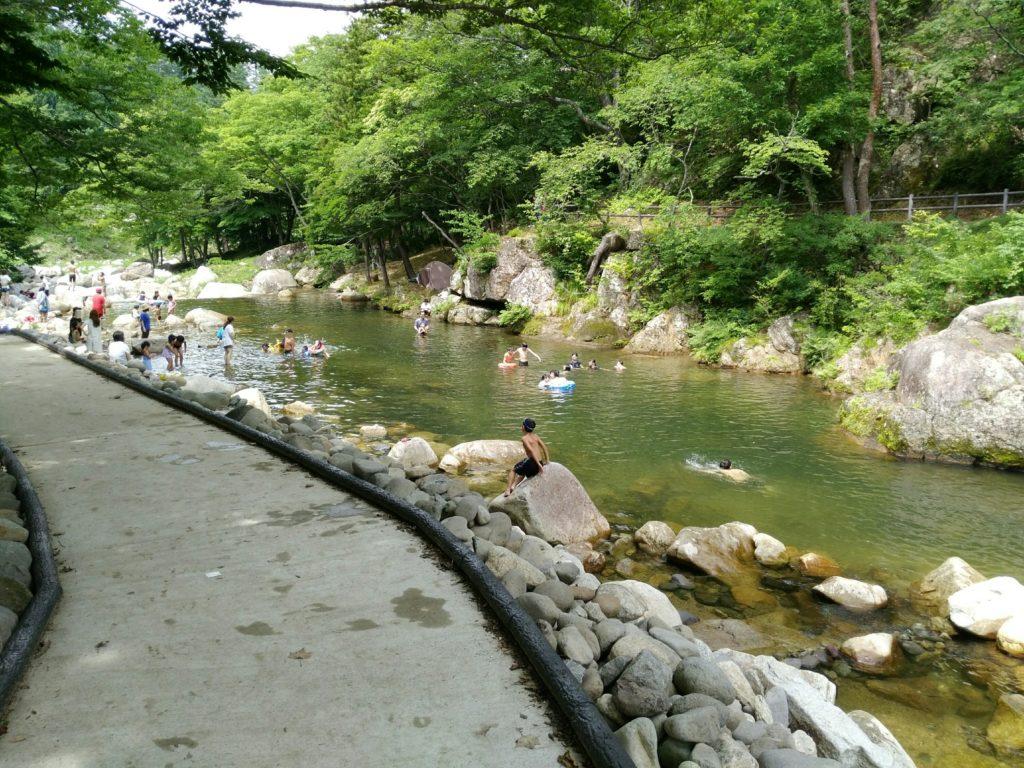 内川の下流は一番の川遊びポイント