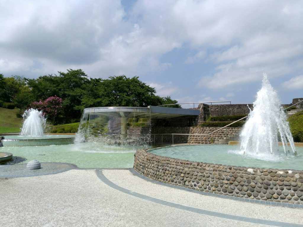 みちのく杜の湖畔公園の噴水
