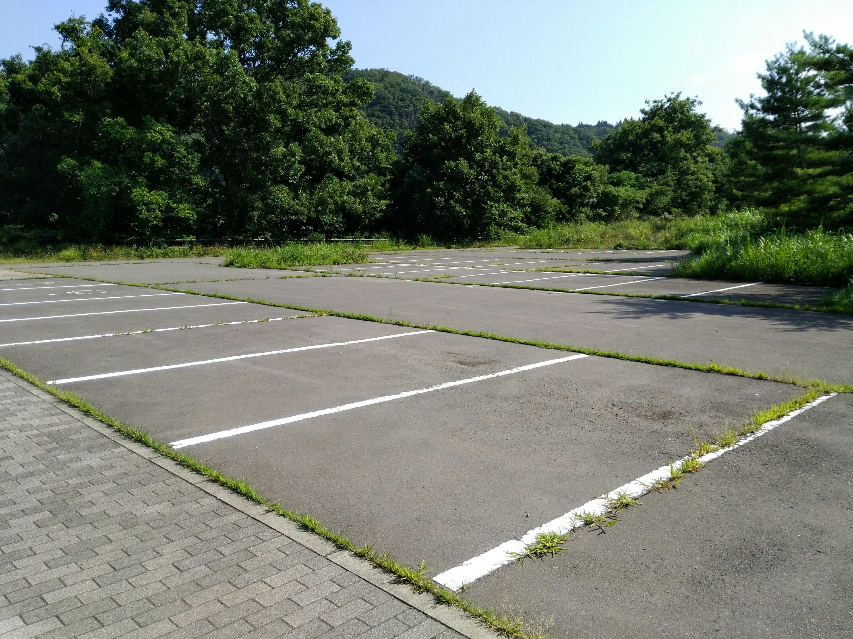 河畔休憩所の駐車場