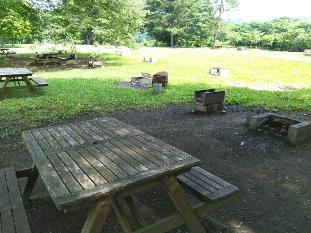川崎町みちのく杜の湖畔公園の芋煮会広場