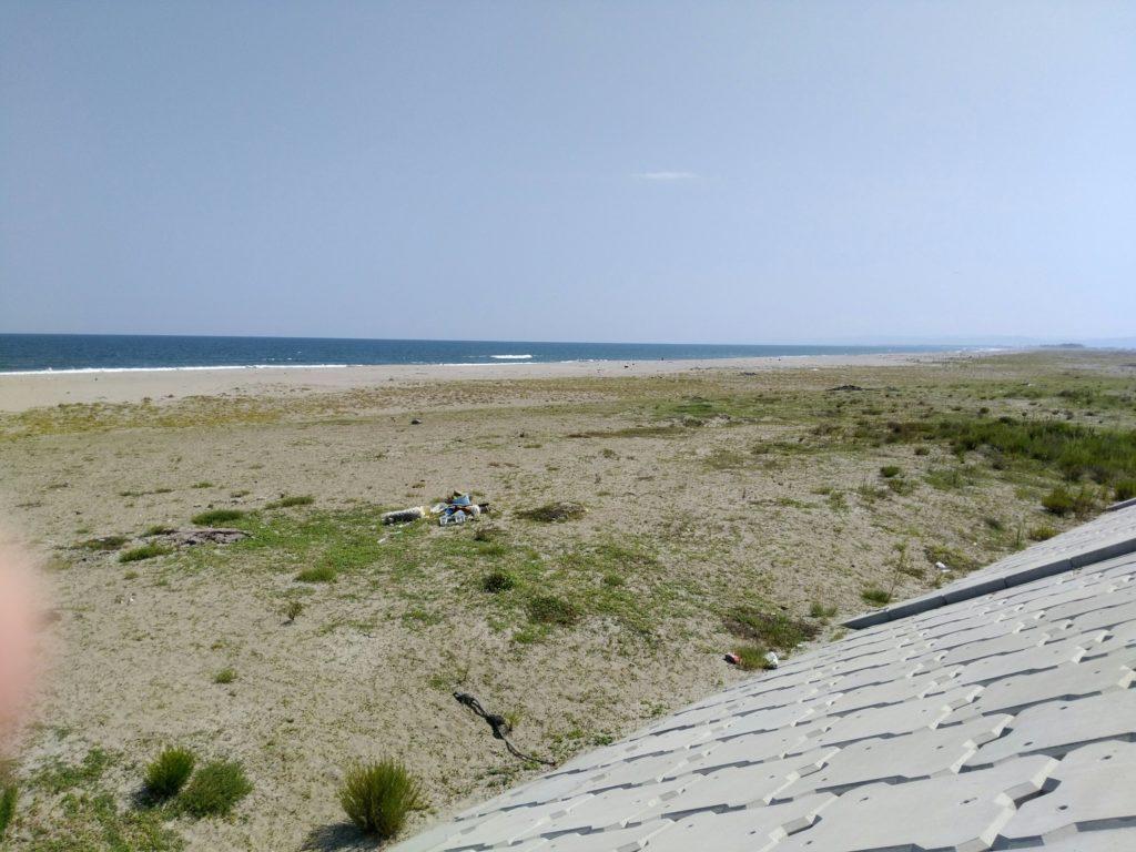 閖上の堤防から見た海(南側)