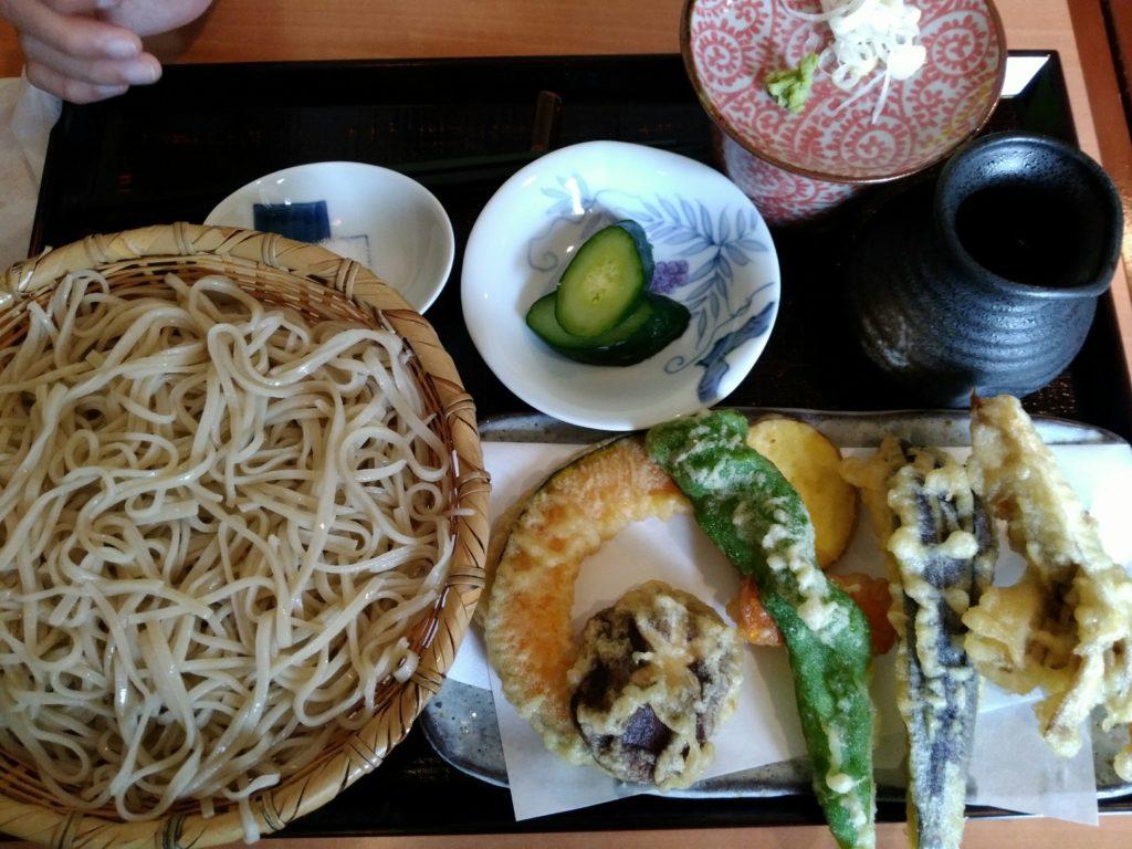 蕎麦むらかみの天ぷらそば