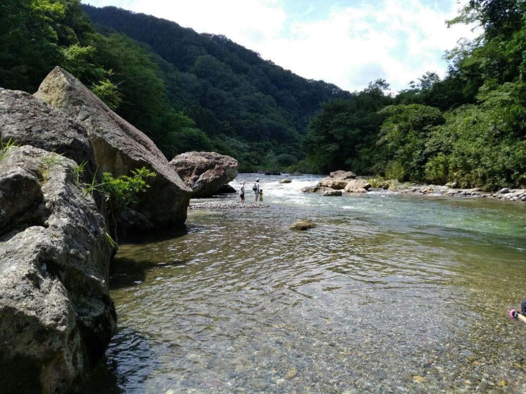 羽山橋の名取川 上流
