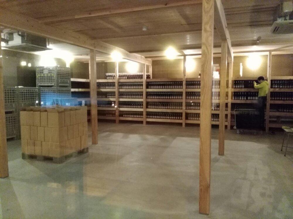 イーレはせくら王国のワイン貯蔵庫
