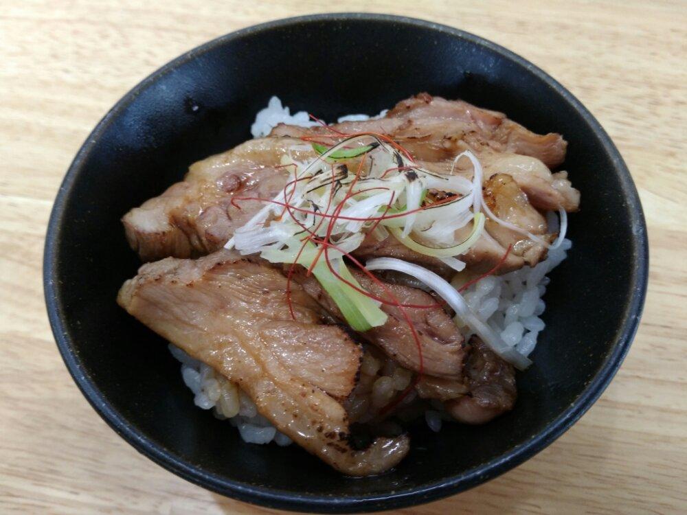 awrakawa 鴨の炙りチャーシュー丼