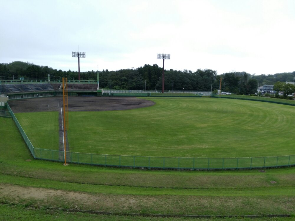 名取市十三塚公園の野球場