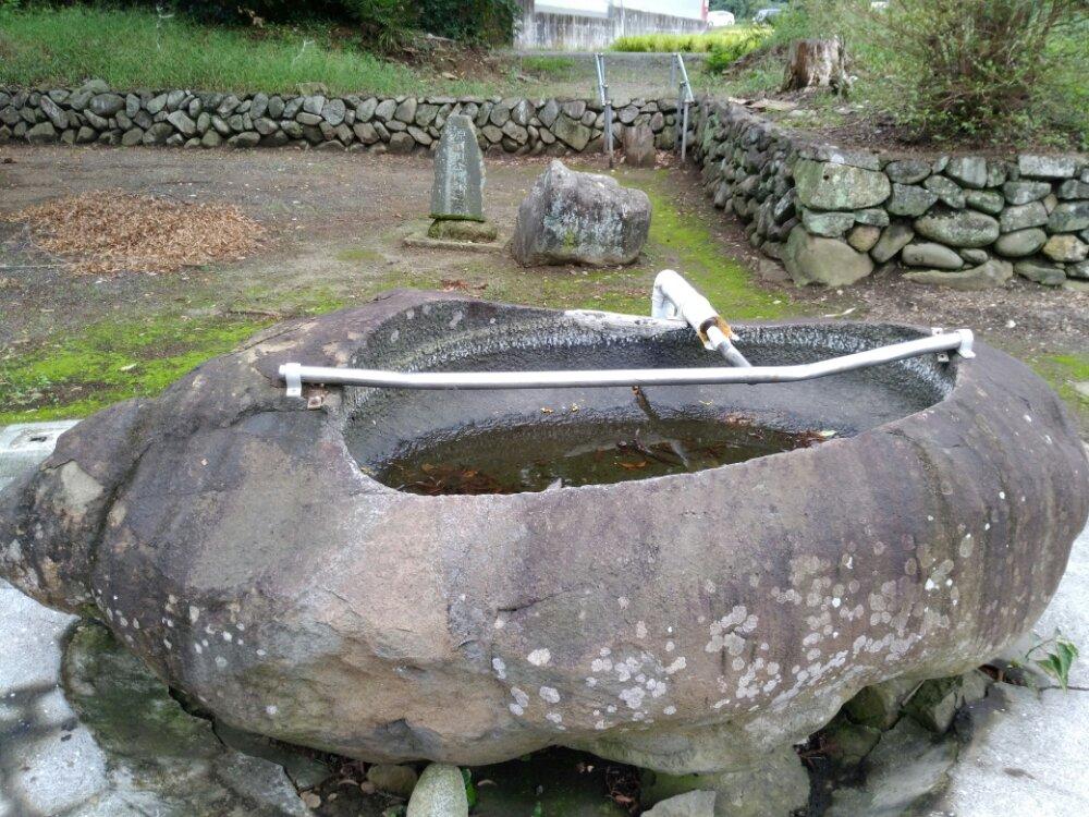 名取市 熊野神社(熊野新宮社)源頼朝腰掛石