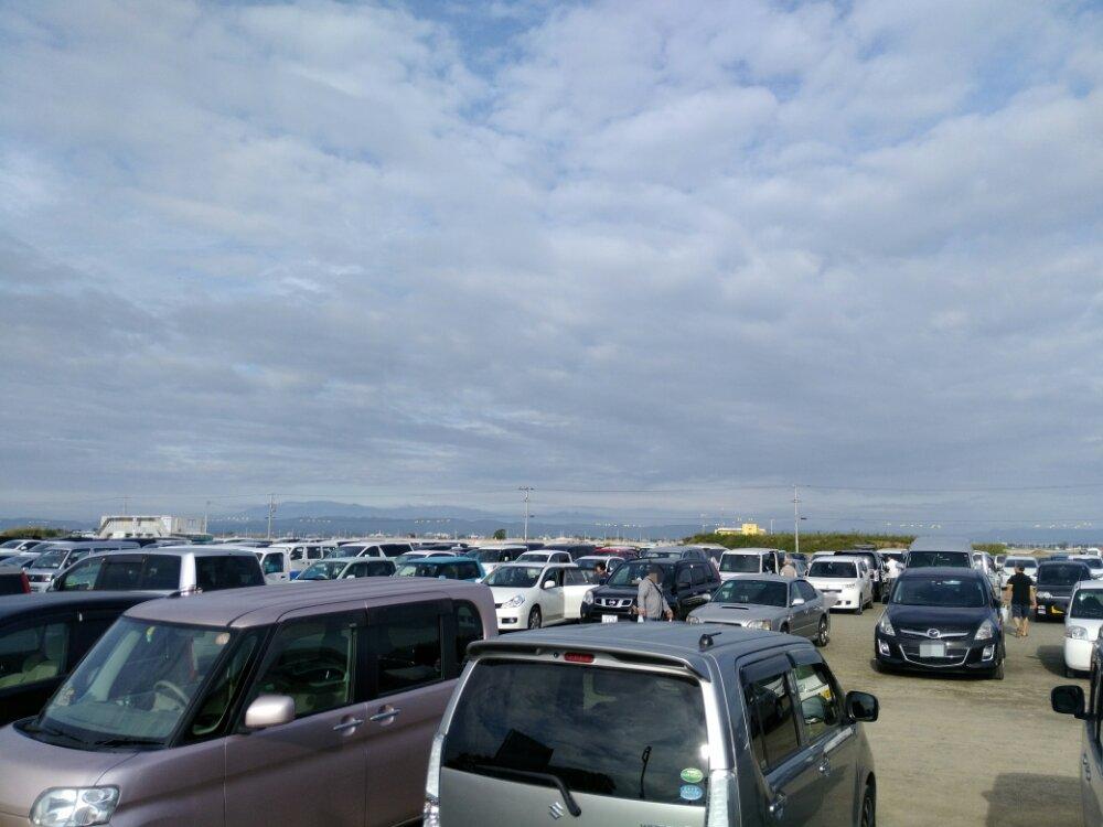 閖上港朝市の駐車場