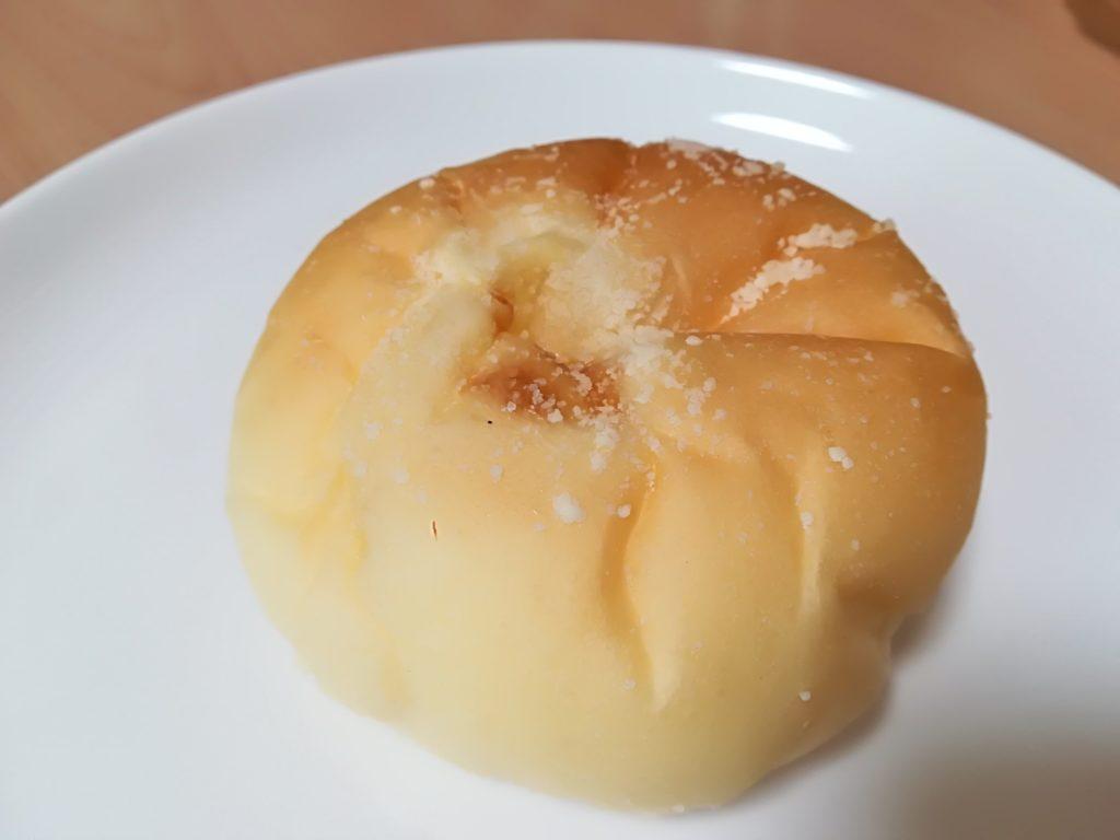 ベーカリー&カフェ キクチヤ クリームパン