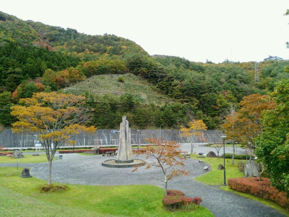 七ヶ宿ダム展望台の紅葉