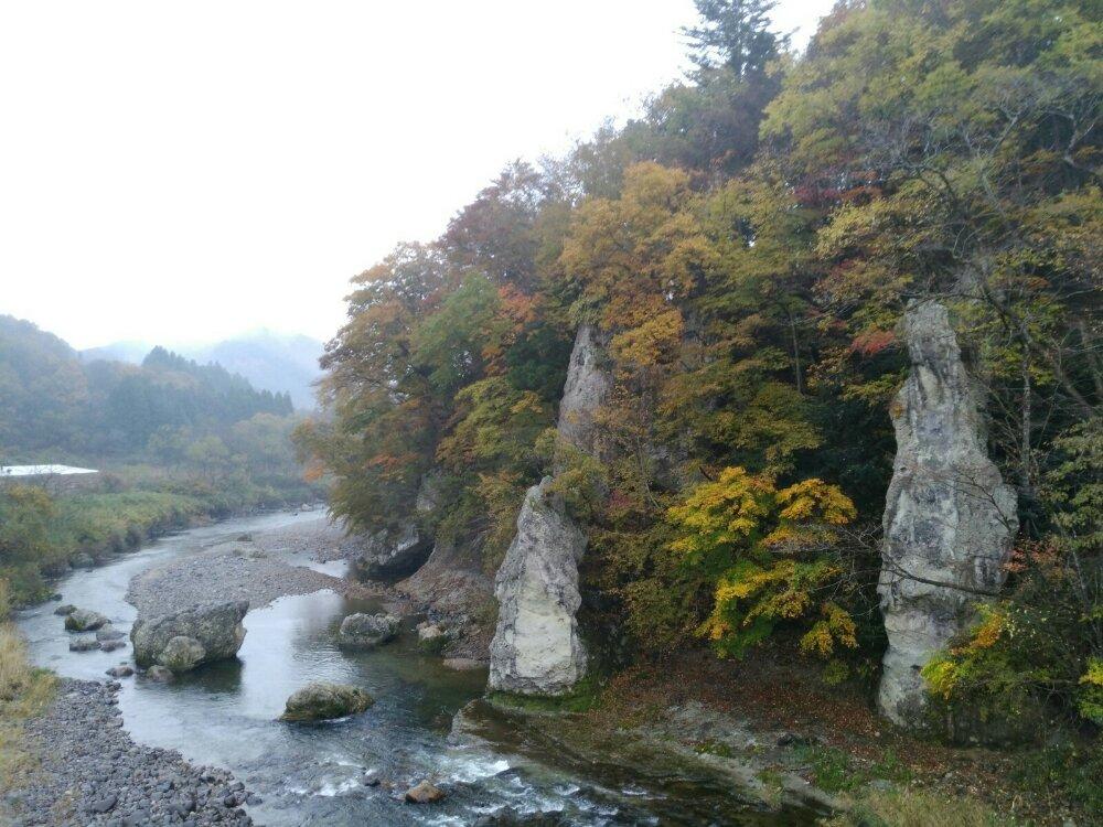 羽山橋の紅葉