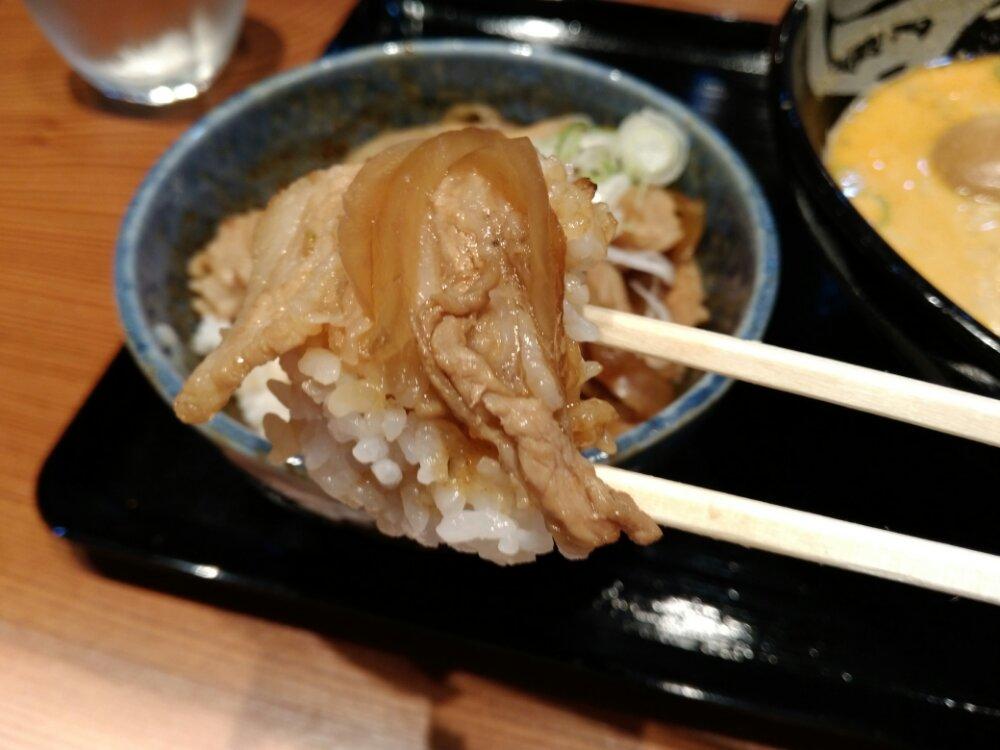 甘くておいしい生姜焼き丼