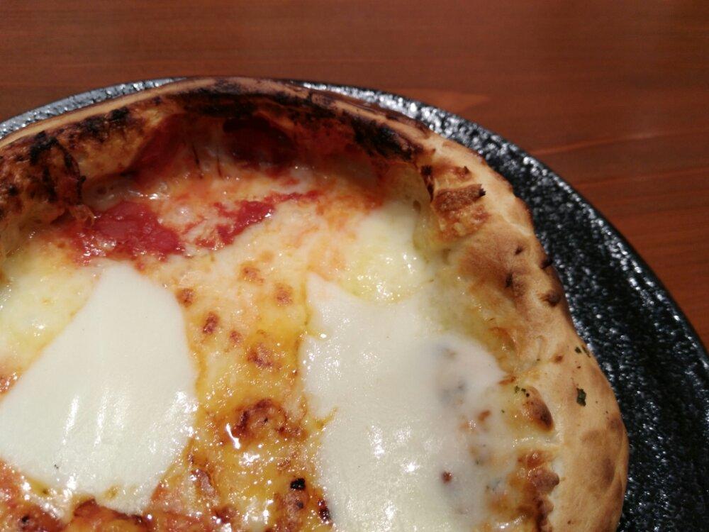 ルヴォワール名取のお釜ピザ