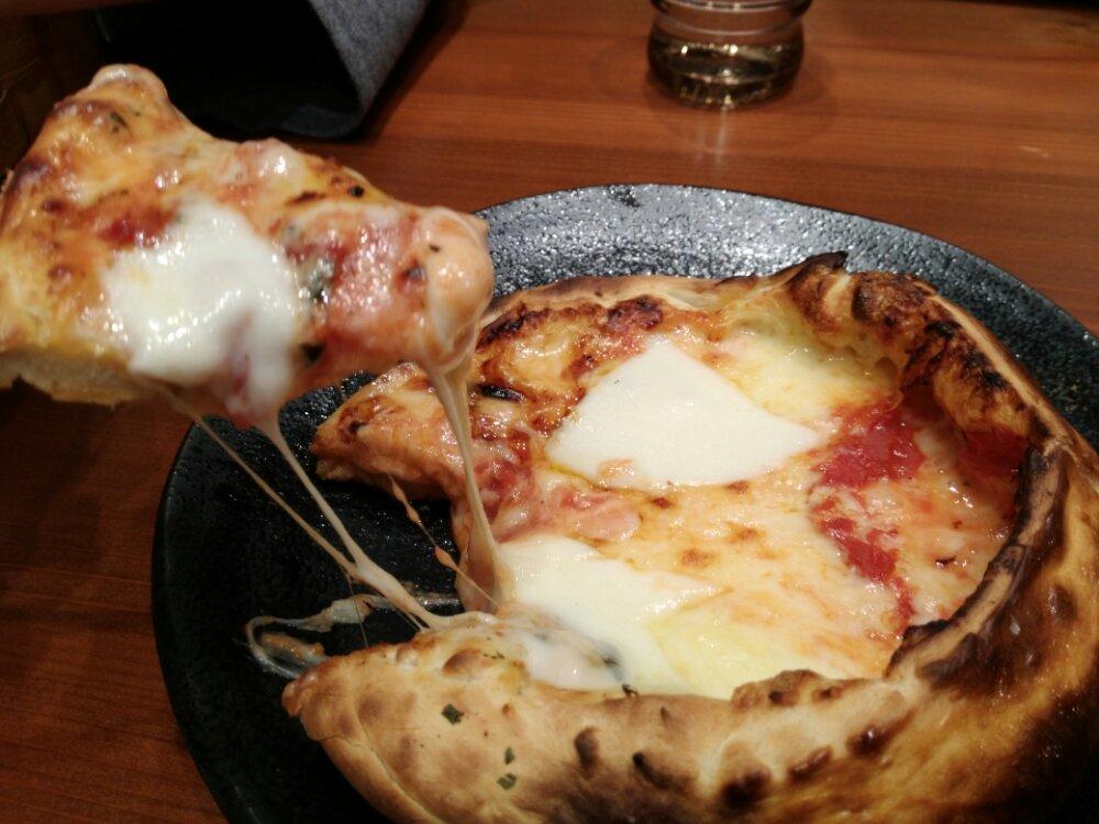 お釜ピザのトロトロチーズ