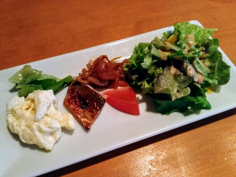長町 diningKの前菜(サラダ)
