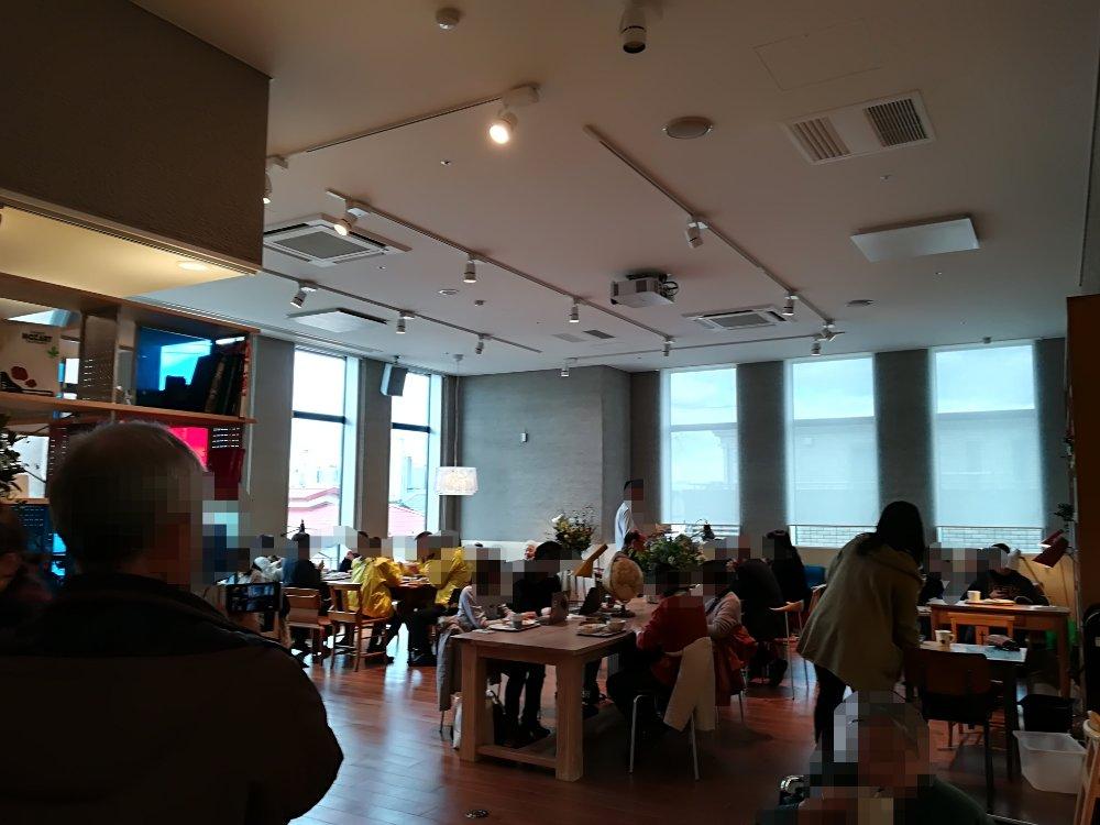 カフェモーツアルトユイリカの店内