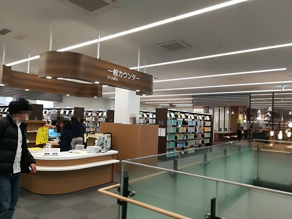 名取市図書館の3階