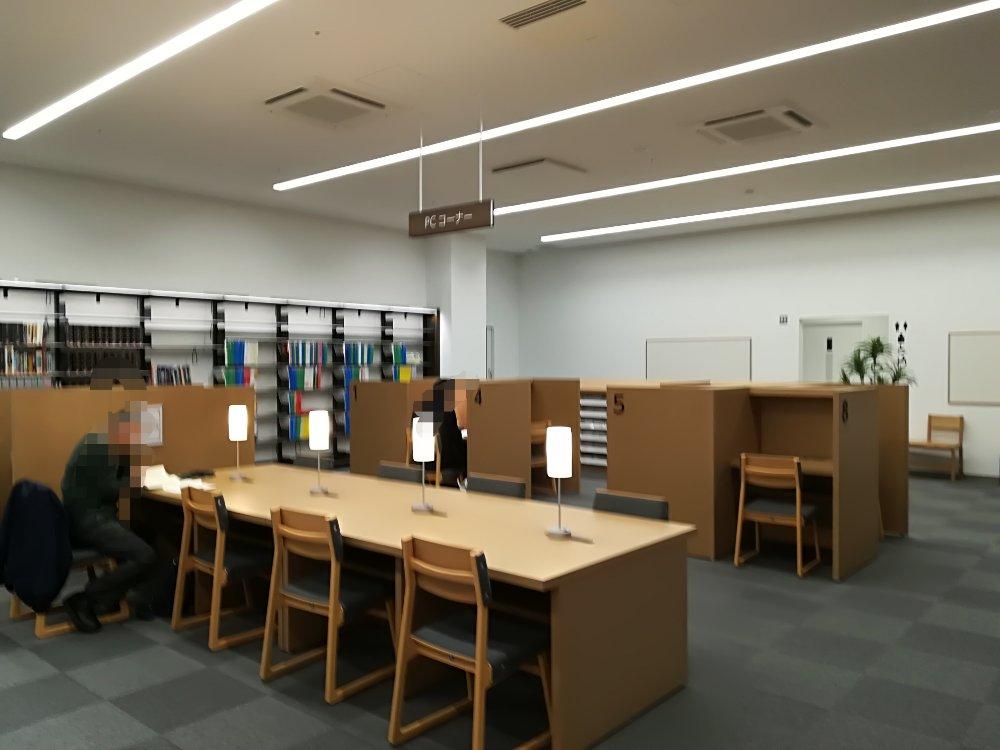 名取市図書館のPCコーナー