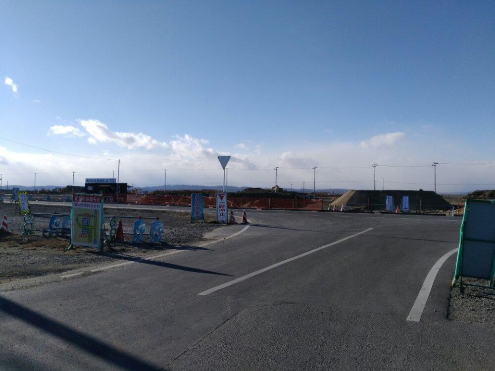 朝市から見た商業施設予定地