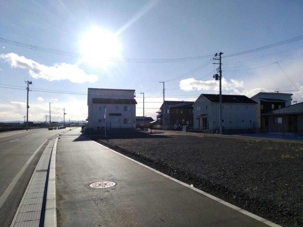 閖上の道路と家