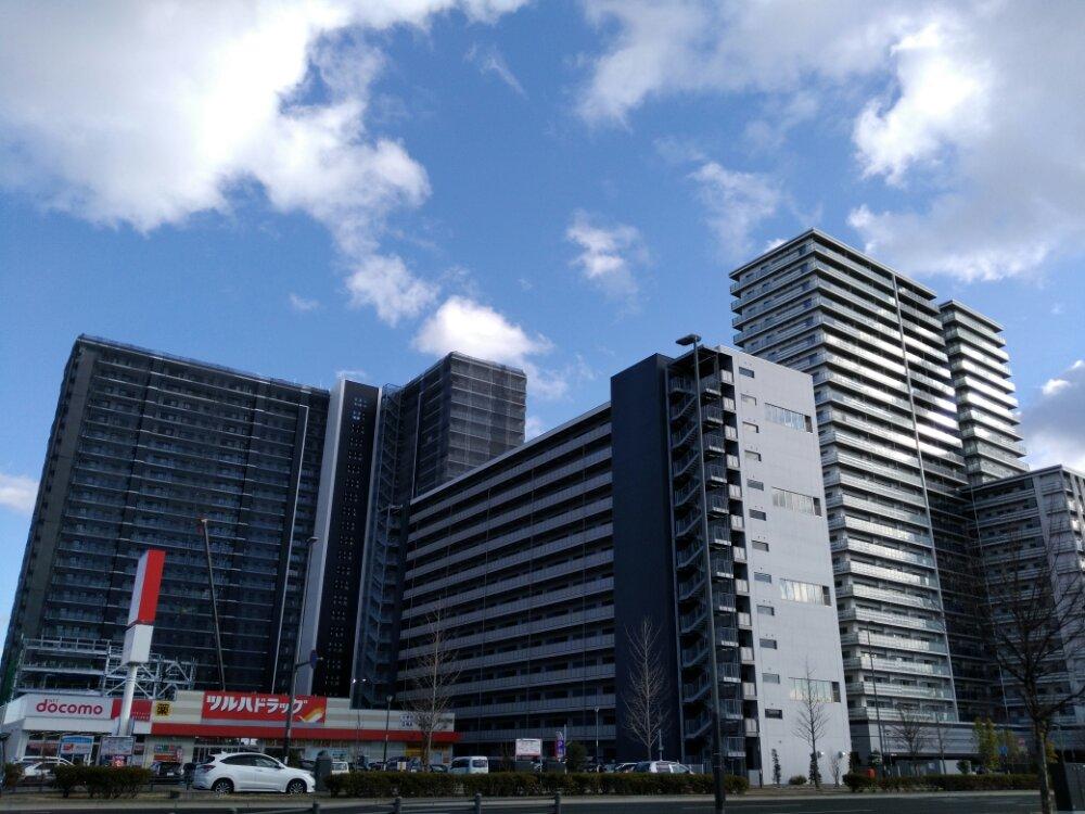 あすと長町の高層マンションが乱立しているツルハの区画