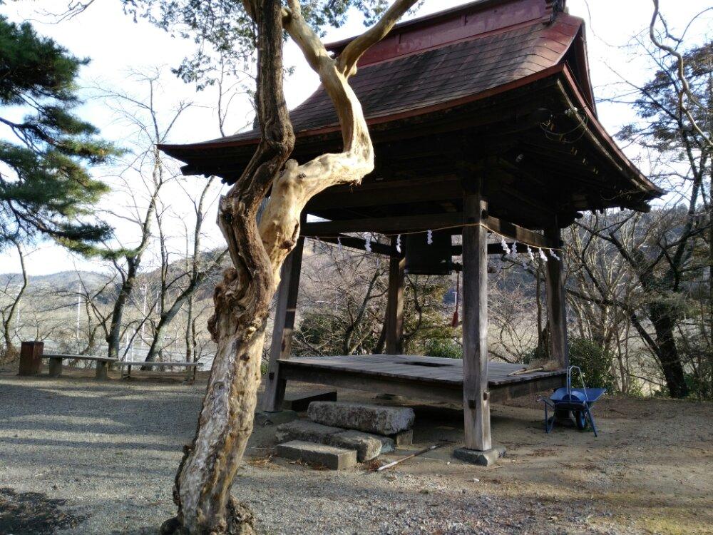 大高山神社の鐘楼