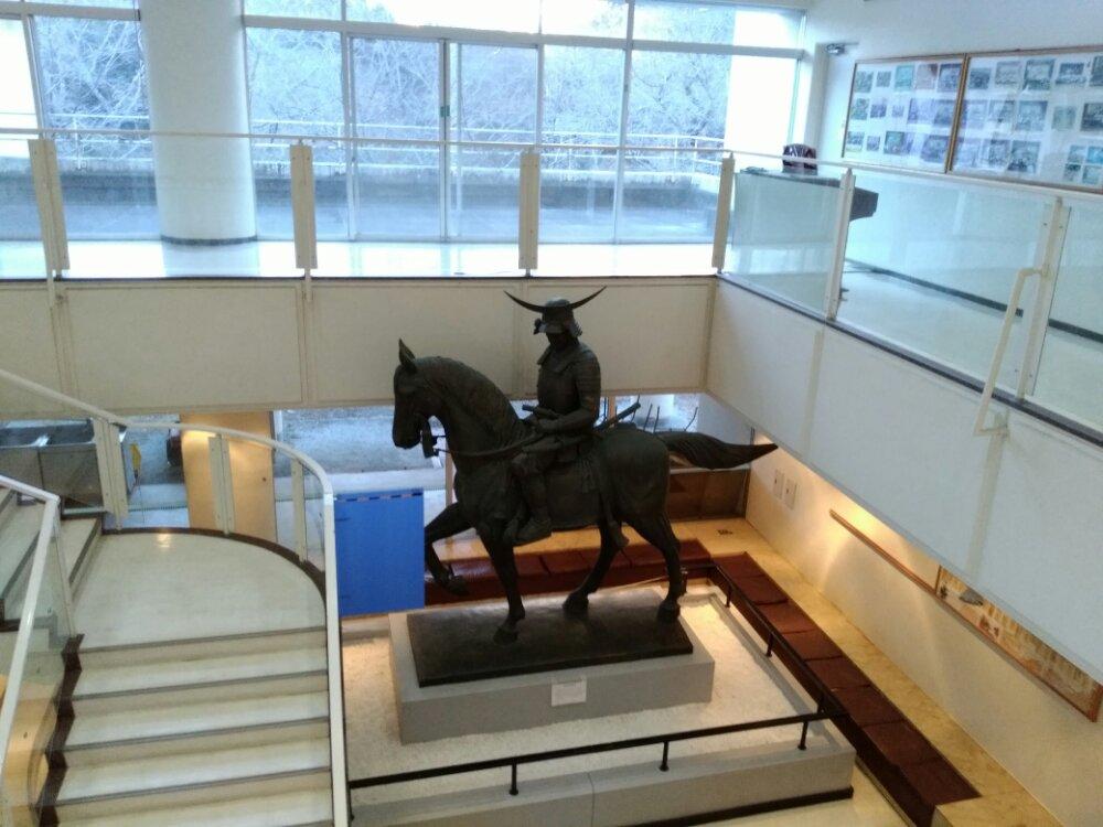 上から見た伊達政宗騎馬像