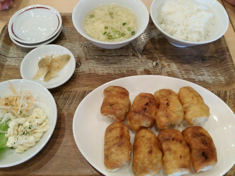 ホワイトギョーザサガノ家の焼き餃子定食