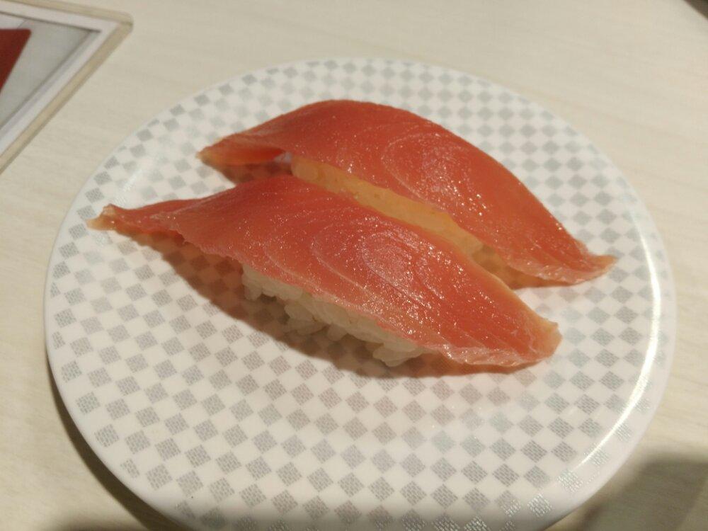 魚べいのマグロ