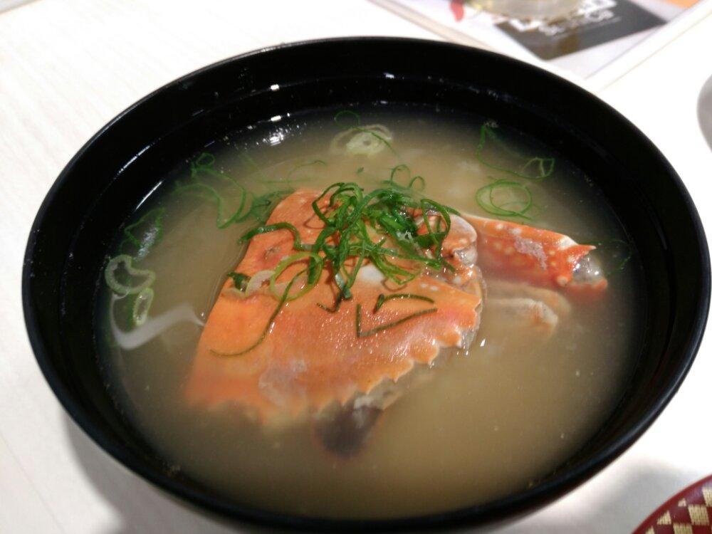 魚べいのかにの味噌汁