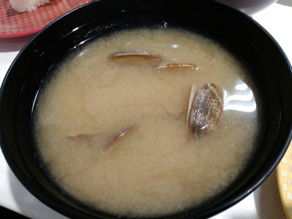魚べいのあさりの味噌汁